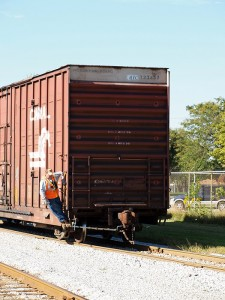 ETR-boxcar-trainman